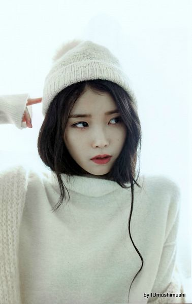 Tags: K-Pop, IU, Hat, White Headwear, Sweater, Light Background, Mole, White Background, Red Lips, Looking Away, Facial Mark, Android/iPhone Wallpaper