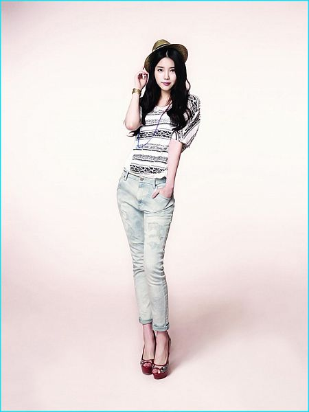 Tags: K-Pop, IU, Bracelet, Hand In Pocket, White Pants, Necklace, Short Sleeves, Jeans, Hat, Guess