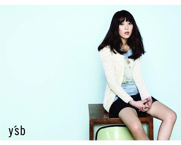 Tags: K-Pop, IU, White Jacket, White Outerwear, Make Up, Black Skirt, Television, Skirt, Blue Background, Bare Legs, Blue Shirt, Ysb