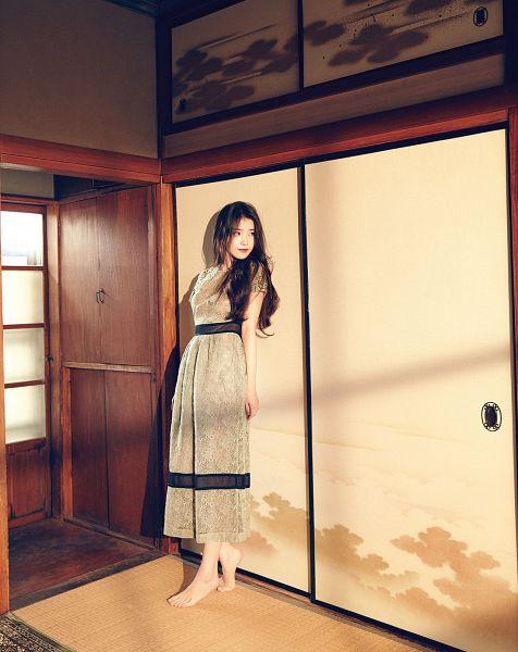 Tags: K-Pop, IU, Door, Barefoot, Magazine Scan, Marie Claire