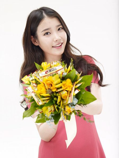 Tags: K-Pop, IU, Red Outfit, White Background, Flower, Bouquet, Red Dress, Korean Text, Yellow Flower, Light Background, Lemona