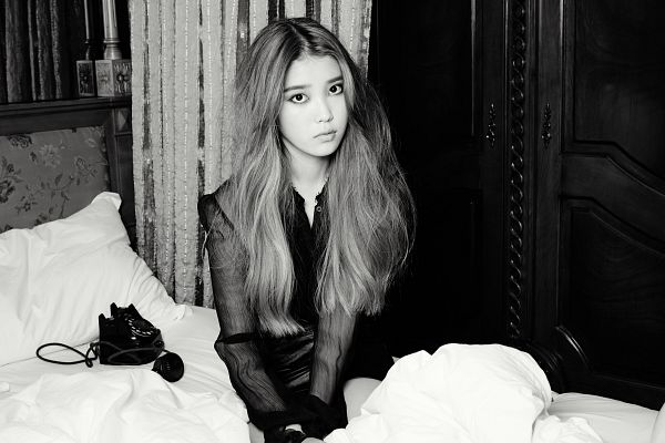 Tags: K-Pop, IU, Phone, Black Eyes, Pillow, Gray Hair, Sitting, Serious, Curtain, Black Dress, Black Outfit, On Bed