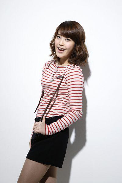 Tags: K-Pop, IU, Medium Hair, Striped Shirt, Skirt, Striped, Black Skirt, Pantyhose, Light Background, White Background, Android/iPhone Wallpaper
