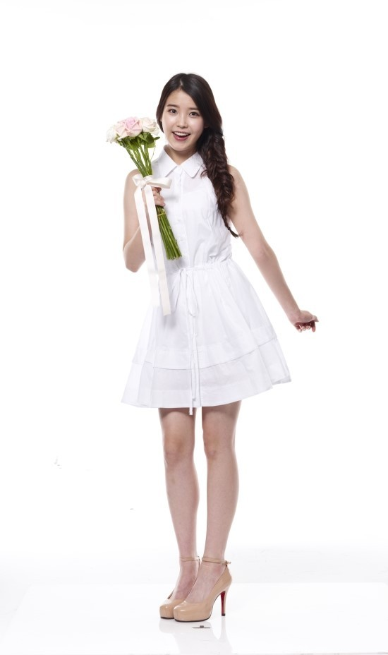 Tags: K-Pop, IU, Pink Flower, White Background, Single Braid, White Dress, Sleeveless Dress, Sleeveless, Braids, White Outfit, Brown Footwear, High Heels