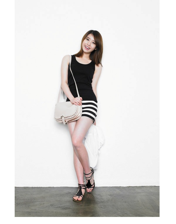 Tags: K-Pop, IU, Bag, White Background, Sleeveless, Striped Skirt, Bare Shoulders, Tank Top, Sandals, Light Background, Pinky Girl