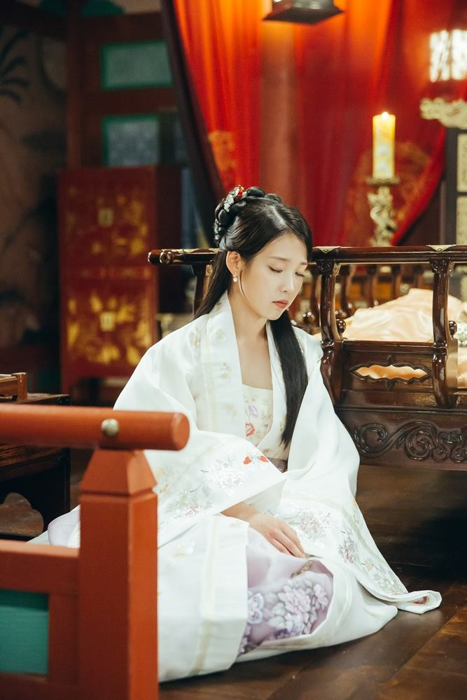 Tags: K-Drama, K-Pop, IU, White Outfit, Fire, Korean Clothes, White Dress, Blanket, Bed, Eyes Closed, Lamp, Candle