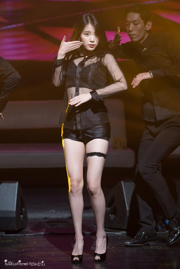 Tags: K-Pop, IU, Black Shorts, High Heels, See Through Clothes, Garter Belt, Bare Legs, Midriff, Black Footwear, Shorts