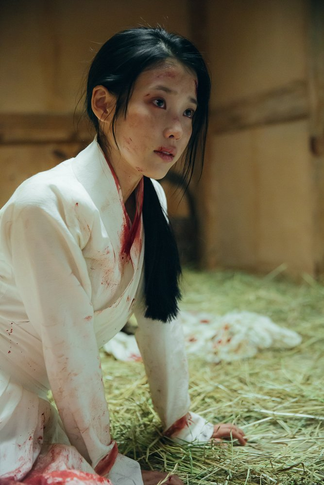 Tags: K-Pop, K-Drama, IU, Traditional Clothes, Hair Up, Injury, Korean Clothes, Ponytail, Blood, Kneeling, White Outfit, Moon Lovers: Scarlet Heart Ryeo