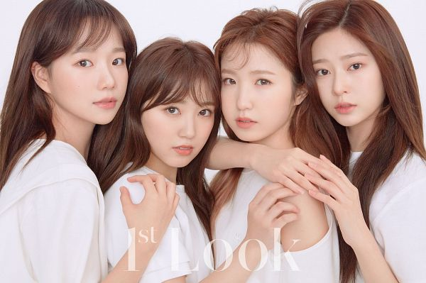 Tags: K-Pop, J-Pop, AKB48, IZ*ONE, HKT48, Jo Yuri, Kim Minju, Yabuki Nako, Hitomi Honda, Text: Magazine Name, Light Background, Hand On Arm
