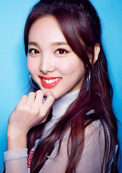 Tags: J-Pop, K-Pop, JYP Entertainment, Twice, Im Nayeon, Jewelry, Collar (Clothes), Chin In Hand, Earrings, Teeth, Make Up, Close Up