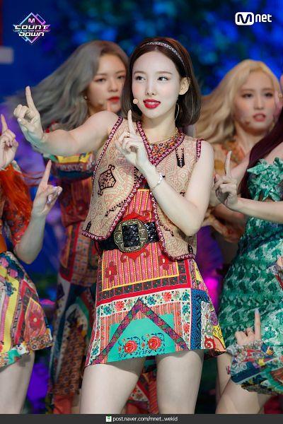Tags: Television Show, K-Pop, Twice, Hirai Momo, Yoo Jeongyeon, Im Nayeon, Bare Legs, Looking Away, Red Lips, Medium Hair, Bare Shoulders, Multi-colored Dress