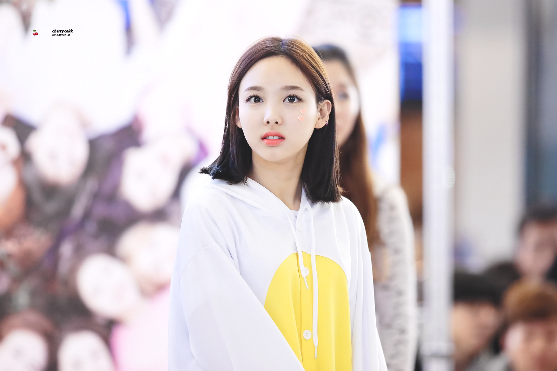 Im Nayeon Wallpaper 122043 Asiachan Kpop Image Board