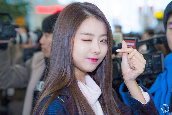 Tags: K-Pop, Im Nayoung, Wink, Heart Gesture, Black Outerwear, Black Jacket