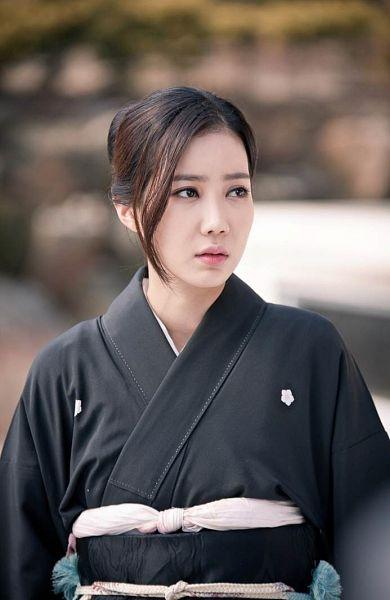 Tags: K-Drama, Im Soo-hyang, Hair Up, Kimono, Traditional Clothes, Black Outfit, Inspiring Generation