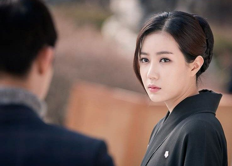 Tags: K-Drama, Im Soo-hyang, Kimono, Traditional Clothes, Black Outfit, Inspiring Generation
