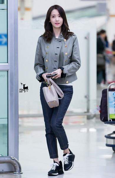 Tags: K-Pop, Girls' Generation, SM Town, Im Yoona, Airport