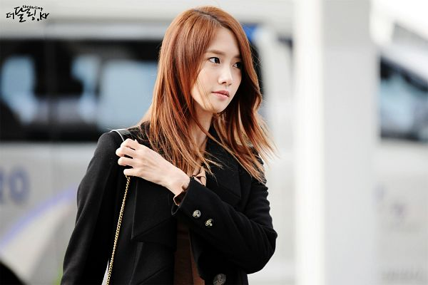 Tags: K-Pop, Girls' Generation, Im Yoona, Black Outerwear, Airport, Black Jacket, Wallpaper