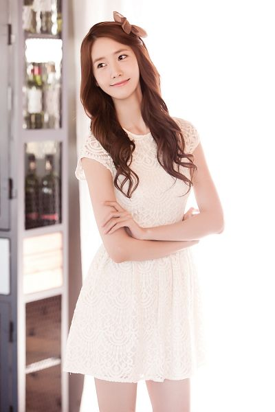 Tags: K-Pop, Girls' Generation, Im Yoona, White Dress, White Outfit, Looking Away, Brown Bow, Crossed Arms, Bow, Light Background, Hair Bow, White Background