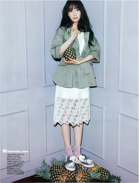 Tags: K-Pop, Girls' Generation, Im Yoona, Pineapple, Sneakers, Bare Legs, White Dress, Fruits, Gray Jacket, Gray Background, CeCi, Android/iPhone Wallpaper