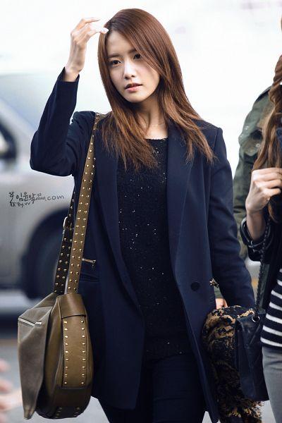 Tags: K-Pop, Girls' Generation, Im Yoona, Bag, Outdoors, Black Pants, Blue Outerwear, Hand In Hair, Blue Jacket, Looking Away, Yayoona