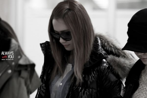 Tags: K-Pop, Girls' Generation, Im Yoona, Black Jacket, Covering Eyes, Glasses, Black Outerwear, Sunglasses, Airport, Monochrome, Denim Shirt, Always With You