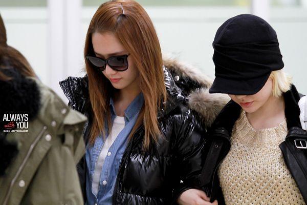 Tags: K-Pop, Girls' Generation, Im Yoona, Sunny, Duo, Denim Shirt, Sunglasses, Arm In Arm, Yellow Shirt, Black Headwear, Sweater, Covering Eyes