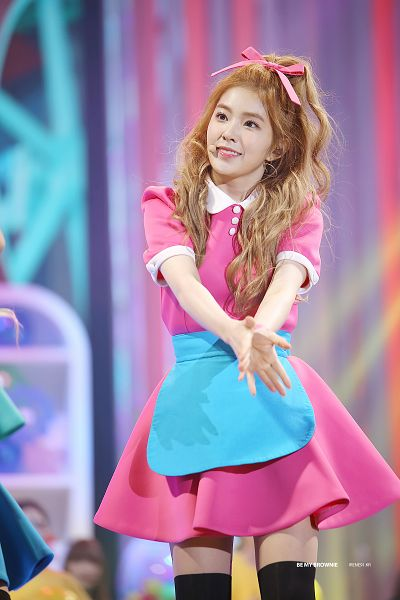 Tags: K-Pop, Red Velvet, Irene, Hair Bow, Apron, Pink Outfit, Bow, Black Legwear, Wavy Hair, Bare Legs, Looking Up, Hair Ornament