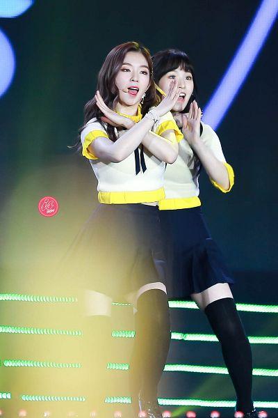 Tags: K-Pop, Red Velvet, Wendy, Irene, Skirt, Black Skirt, Black Legwear, Matching Outfit, Two Girls, Thigh Highs, Duo, Bracelet