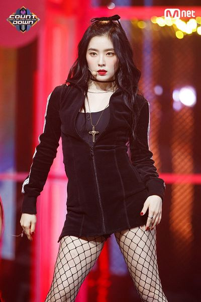 Tags: Television Show, K-Pop, Red Velvet, Irene, Black Bow, Make Up, Ring, Hair Bow, Hair Ornament, Bow, Necklace, Nail Polish