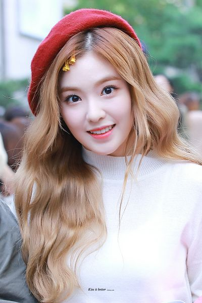 Tags: K-Pop, Red Velvet, Irene, Red Headwear, Android/iPhone Wallpaper