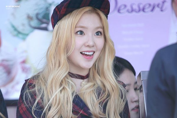 Tags: K-Pop, Red Velvet, Irene, Blonde Hair, Red Headwear, Jacket, Checkered Jacket, Red Outerwear, Choker, Checkered Hat, Red Jacket, Teeth