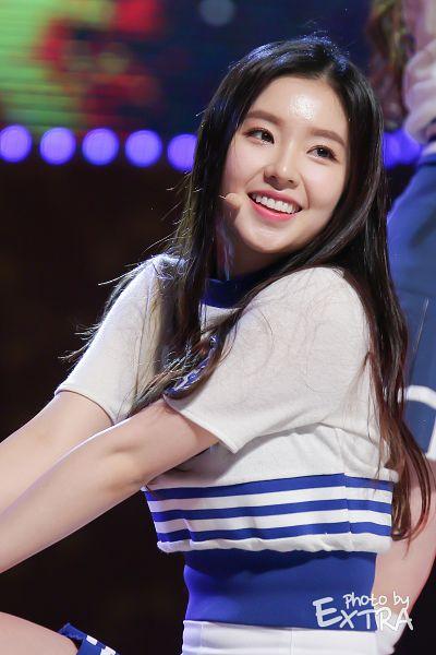 Tags: K-Pop, Red Velvet, Irene, White Skirt, Looking Ahead, Android/iPhone Wallpaper