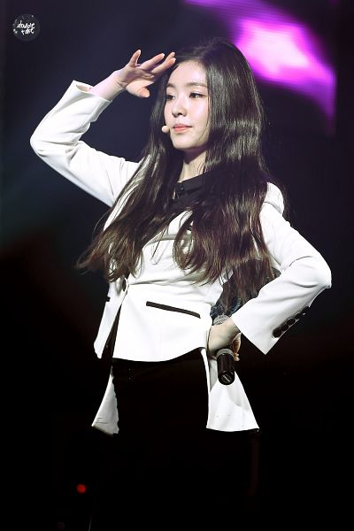 Tags: K-Pop, Red Velvet, Irene, Hand On Head, White Outfit, White Jacket, Black Pants, Hand On Hip, Android/iPhone Wallpaper