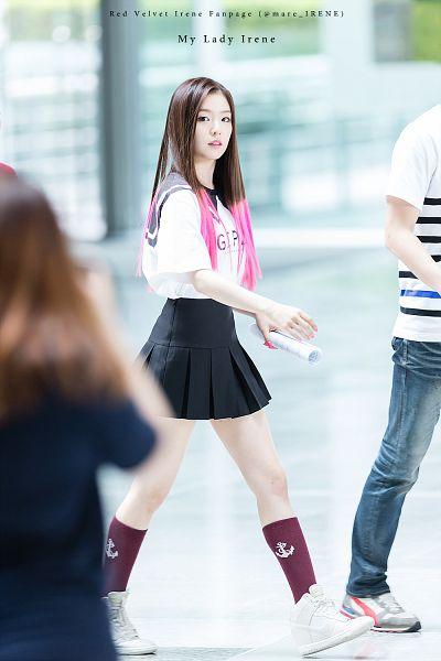 Tags: K-Pop, Red Velvet, Irene, Shoes, Pleated Skirt, Sneakers, Skirt, White Footwear, Walking, Black Skirt, Multi-colored Hair, Android/iPhone Wallpaper