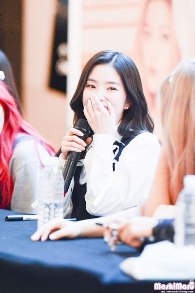 Tags: SM Town, K-Pop, Red Velvet, Irene, Covering Mouth, Microphone, Fansigning Event