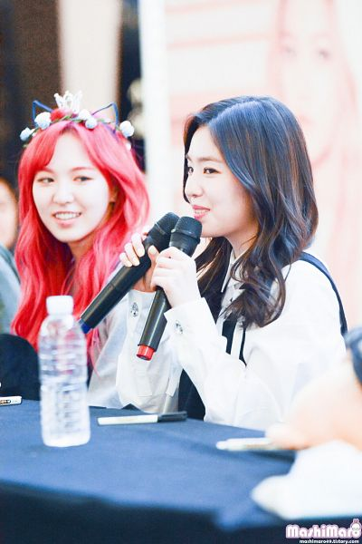 Tags: SM Town, K-Pop, Red Velvet, Irene, Fansigning Event