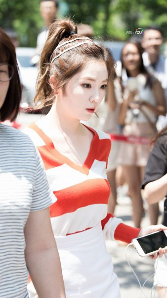 Tags: SM Town, K-Pop, Red Velvet, Irene, Looking Ahead, Hair Up, Looking Down, Ponytail, Android/iPhone Wallpaper