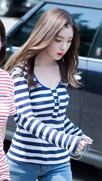 Tags: SM Town, K-Pop, Red Velvet, Irene, Looking Ahead, Wavy Hair, Looking Down, Android/iPhone Wallpaper