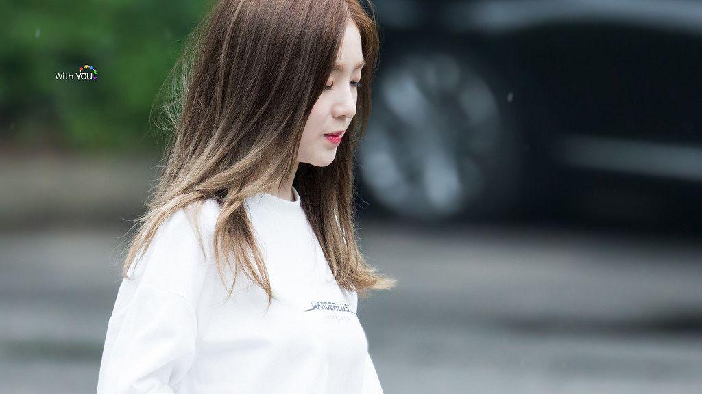 Tags: SM Town, K-Pop, Red Velvet, Irene, Looking Ahead, Looking Down