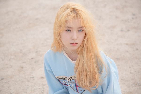 Tags: K-Pop, Red Velvet, Ice Cream Cake (Song), Irene, Blonde Hair, Blue Eyes, From Above, Looking Up, Blue Shirt