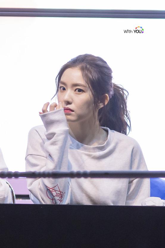Tags: SM Town, K-Pop, Red Velvet, Irene, Hair Up, Ponytail