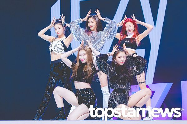 Tags: K-Pop, Itzy, Lia, Lee Chaeryeong, Shin Ryujin, Shin Yuna, Hwang Yeji