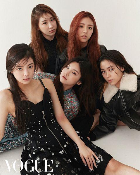 Tags: K-Pop, Itzy, Shin Yuna, Shin Ryujin, Lee Chaeyeon, Hwang Yeji, Lia