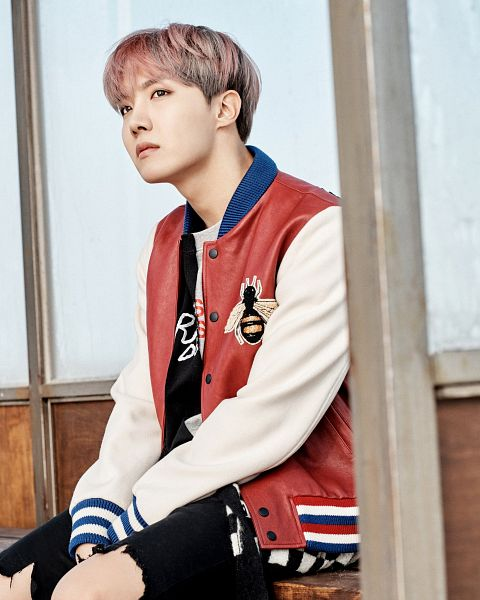 Tags: K-Pop, BTS, J-Hope, Multi-colored Jacket, Bench, Black Shorts, Shorts, Sitting On Bench, Bus Stop, Serious, You Never Walk Alone, Twitter
