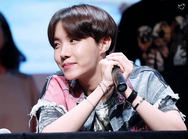 Tags: K-Pop, BTS, J-Hope, Looking Away, Collar (Clothes), Watch, Bracelet, Short Sleeves, Wristwatch, Open Shirt, Black Eyes, Holding Object
