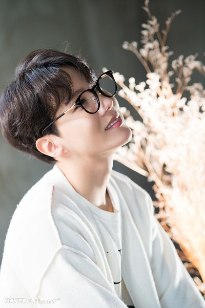 Tags: K-Pop, BTS, J-Hope, Glasses, Black Eyes, Grin, Dispatch