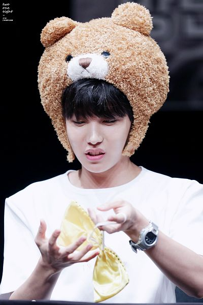 Tags: K-Pop, BTS, J-Hope, Bow, Watch, Wristwatch, Animal Hat, Black Eyes, Hat, Yellow Bow, Android/iPhone Wallpaper