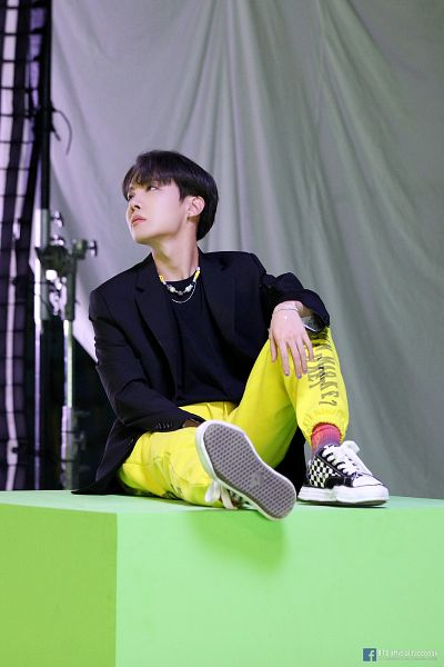 Tags: K-Pop, BTS, Outro: Ego, J-Hope, Bracelet, Looking Up, Sneakers, Text: URL, Yellow Shirt, English Text, Text: Artist Name, Make Up