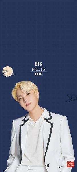 Tags: K-Pop, BTS, J-Hope, Chuseok, Moon, Blue Background, White Jacket, Suit, White Outerwear, White Pants, Head Tilt, Lotte Duty Free