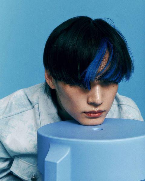Tags: K-Pop, Got7, JB, Blue Background, Serious, Facial Mark, Mole, Multi-colored Hair, Medium Hair, Highlights, Beauty+, Magazine Scan